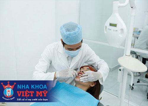 tẩy trắng răng và nhổ răng tại Bến Lức